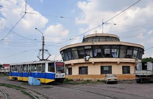 Каменскому КП «Транспорт» не хватает водителей трамвая