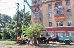 В Николаеве проводят текущий ремонт электротранспортной инфраструктуры