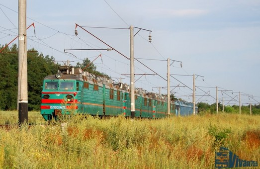 На Одесской железной дороге реконструируют контактную сеть на перегоне Фундуклеевка – Цибулево