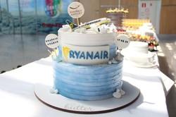 Завтра «Ryanair» начнет летать в Одессу, а вчера выполнил первый рейс в Харьков