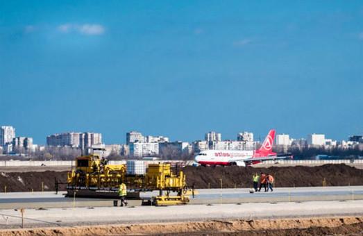 Строительство взлетно-посадочной полосы в аэропорту Одессы дорожает более чем на миллиард гривен
