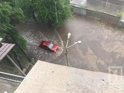 Непогода в Кривом Роге приостановила работу городского транспорта и даже железной дороги