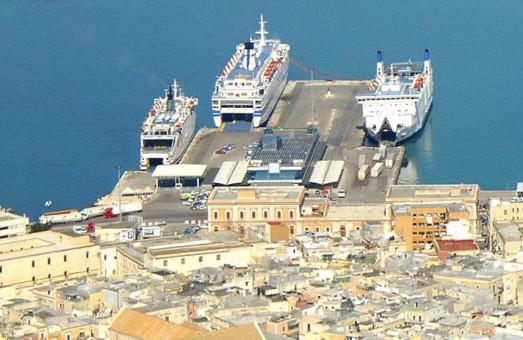 Стало известно, что будут перевозить на пароме из Черноморска под Одессой в итальянский порт Бари
