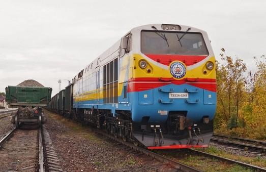 В «Укрзализныце» не хотят выпускать на свои пути единственный частный современный тепловоз ТЕ33АС