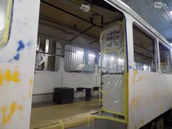В Днепре показали, как готовят к выпуску на маршруты трамваи из Лейпцига