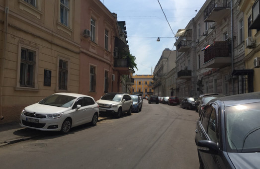 В Одессе закрыли проезд по Воронцовскому переулку