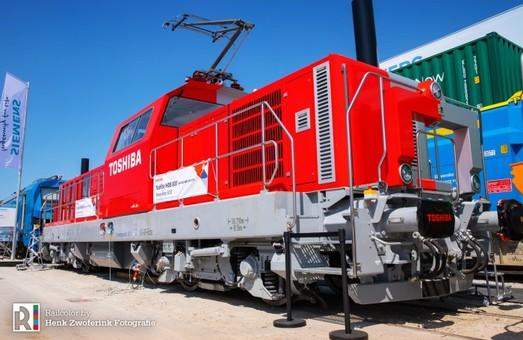 «Укрзализныця» хочет закупить легкие четырехосные электровозы и маневровые локомотивы «Toshiba»
