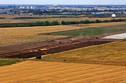 На новой взлетно-посадочной полосе аэропорта Одессу уже завершили укладку основного слоя бетона (ФОТО)