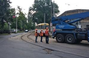 Одесситы из Малиновского района жалуются на плохое состояние трамвайных путей