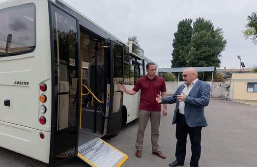Мэр Каменского обещает, что новые автобусы «Атаман» начнут работать в городе осенью этого года