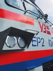 В Киеве завершают капитальный ремонт электропоезда ЭР2 для Львовской железной дороги