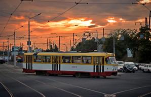 Часть маршрутов электротранспорта Одессы работает до самого утра