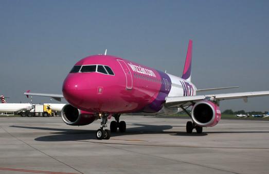 За последние две недели венгерский лоукостер отменил полсотни авиарейсов из Киева