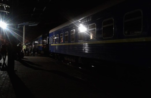Вчера вечером на станции Кожанка сошел с рельсов товарный поезд