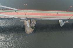 В Киеве рушится еще один мост