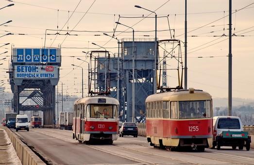 В Днепре стоимость проезда в электротранспорте осталась на уровне 4 гривны за поездку