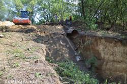 Как ремонтируют размытую дорогу между Овидиополем и Затокой (ВИДЕО)