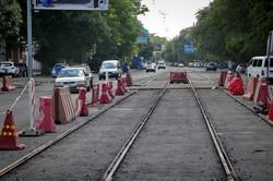 В Одессе заканчивают ремонт трамвайных путей на улице Прохоровской (ФОТО)