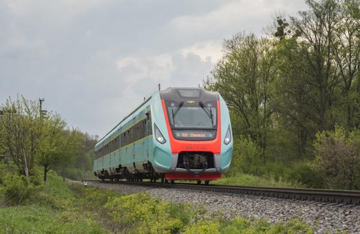 Дизель-поезд ДПКр-2 «Обрий» еще не отремонтировали