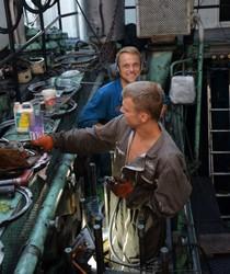 При ремонте буксира «Лука Капикраян» применяют новые технологии ремонта двигателя