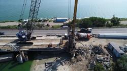 Под Одессой ремонтируют мост через Хаджибейский лиман на киевской трассе (ФОТО, ВИДЕО)
