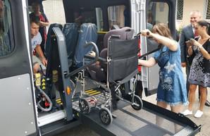 В Подольском районе Одесской области начало работать социальное такси для людей с инвалидностью