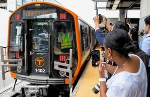 В метрополитене Бостона начали эксплуатировать поезда метрополитена китайского производства