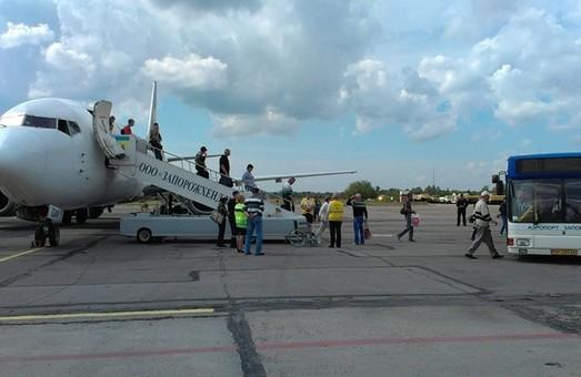 Стало известно об изменении авиарейсов на время ремонта взлетно-посадочной полосы в аэропорту Запорожья