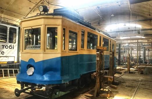 Во Львове отремонтировали самый старый в Украине пассажирский трамвай