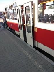 В Киеве обнаружилась проблема с посадочными платформами на трамвайных остановках
