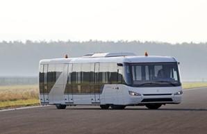 Международный аэропорт Одесса покупает три новых перронных автобуса