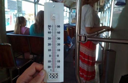 В Виннице журналисты замеряли температуру воздуха в общественном транспорте