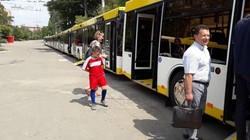 В Мариуполь прибыли 15 автобусов-«гармошек» МАЗ 215