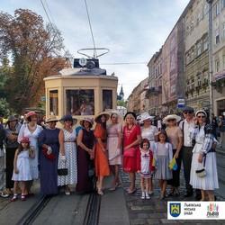 В День Независимости по Львову проехал 110-летний ретро-трамвай
