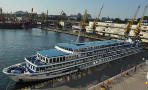 Круизный теплоход «Принцесса Днепра» снова посетил Одессу