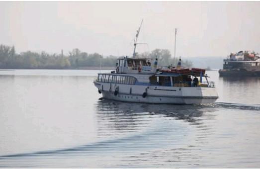 Завтра в Запорожье между берегами Днепра начнут курсировать «речные трамвайчики»