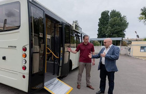 В Каменское прибыло 10 новых автобусов «Атаман»