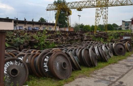 «Укрзализныця» заработала почти 350 миллионов гривен за счет продажи металлолома