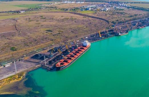 Причалы № 5 и 6 в порту Пивденный под Одессой будут реконструировать, однако сейчас они работают в штатном режиме