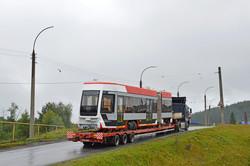 Усть-Катавский вагоностроительный завод отправил на испытания в Челябинск трехсекционный трамвай 71-633