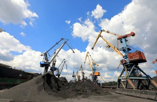 Государственный стивидор порта «Пивденный» под Одессой в августе превысил план перевалки грузов на 63%