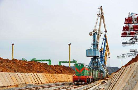 На железнодорожном узле порта Пивденный под Одессой возникли проблемы с транспортировкой грузов
