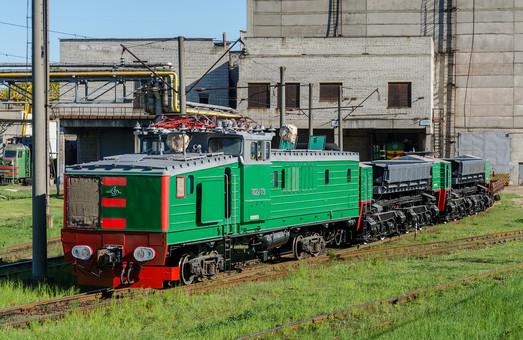 На Львовском локомотиворемонтном заводе ремонтируют карьерный электровоз
