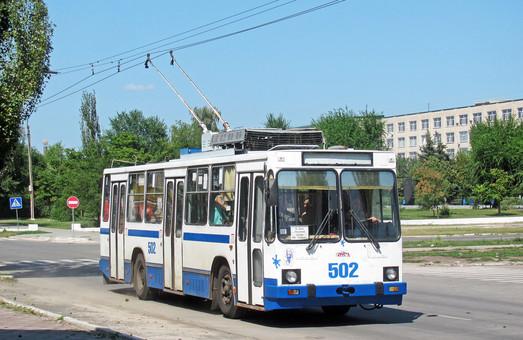 В Северодонецке построили новое разворотное кольцо для троллейбусов (ВИДЕО)