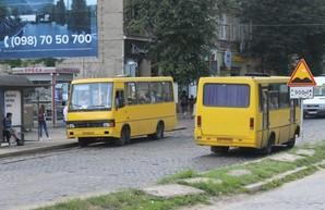 Во Львове так и не смогли найти перевозчиков для семи городских автобусных маршрутов