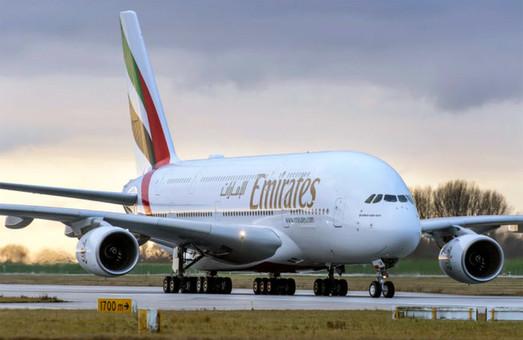 Авиакомпания «Emirates» списывает два авиалайнера «Airbus А380» и разберет их на запчасти