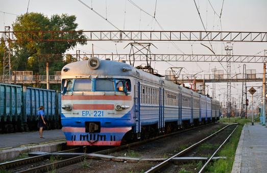 Приднепровская железная дорога начинает подготовку электричек к работе в зимний период