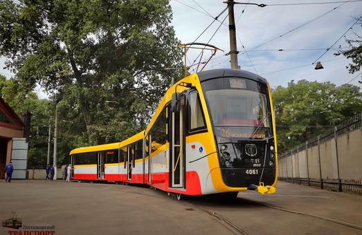 """В Одессе заказали сертификацию нового многосекционного трамвая """"Одиссей-Макс"""""""