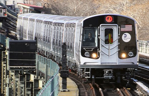 Власти Нью-Йорка планируют развивать метрополитен и пригородные железные дороги