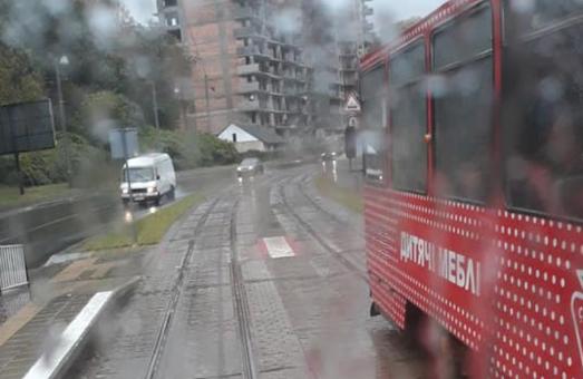 Из-за вчерашней непогоды во Львове не работали несколько маршрутов электротранспорта